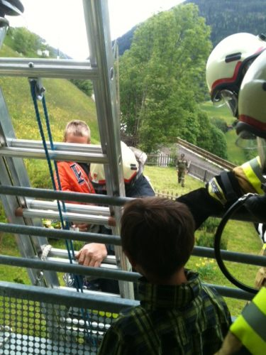 Florianis übten den Ernstfall im Kindergarten